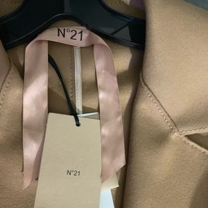 No.21 Camel Trench Coat New Never Worn